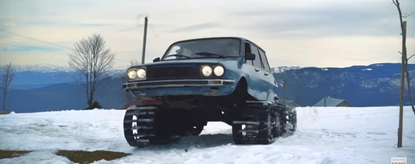 Видео с 8-колесным Renault на гусеницах поразило Сеть