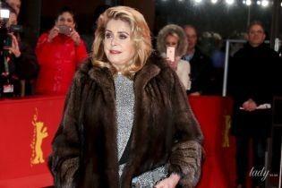 В шубі та блискучій сукні: 75-річна Катрін Деньов на кінофестивалі Берлінале