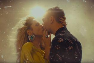 Реанимация, поцелуи, комменты: Лобода разыграла Instadram'y в новом клипе