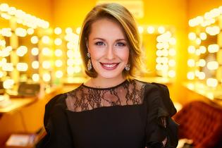 Елена Кравец похвасталась танцами старшей дочери