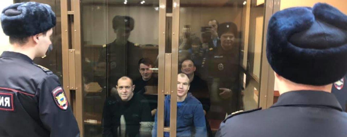 В России оставили под арестом третью четверку военнопленных украинских моряков