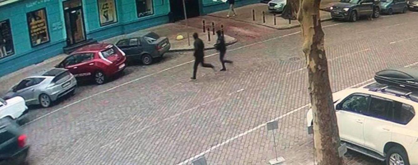 """""""Самое тупое преступление года"""". В Одессе после нападения грабители бросились прямо в руки полиции"""