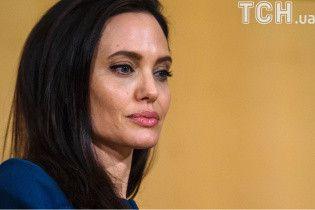 Джолі була шокована візитом Пітта на вечірку до Еністон - ЗМІ