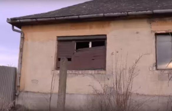 Прописано 200 українців, будинок в Угорщині
