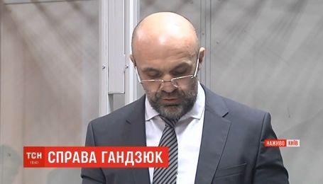 Владислав Мангер боїться за своє життя і готовий підтвердити свою позицію на детекторі брехні