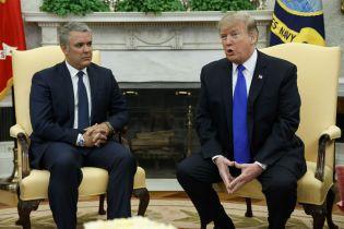 """Мадуро робить """"страшну помилку"""" блокуванням гуманітарної допомоги США у Венесуелу - Трамп"""