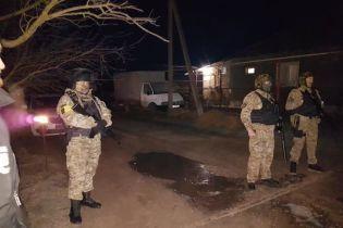 Оккупанты в Крыму обыскивают дома крымских татар