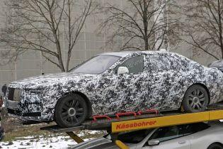 Шпионы засняли обновленный Rolls-Royce Ghost в камуфляже