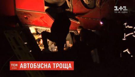 Вблизи города Скопье с трассы слетел автобус с рабочими, погибли 14 человек