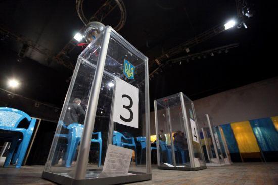 Соціологи опублікували останні рейтинги перед виборами. Які шанси мають кандидати