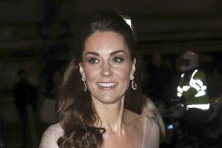 Роскошная Кейт Миддлтон в платье диснеевской принцессы посетила благотворительный ужин