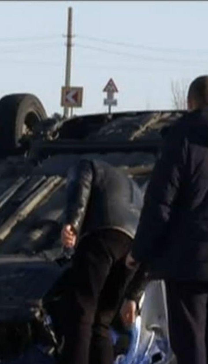 В смертельной автотрощи близ Харькова четыре машины перевернулись на крышу