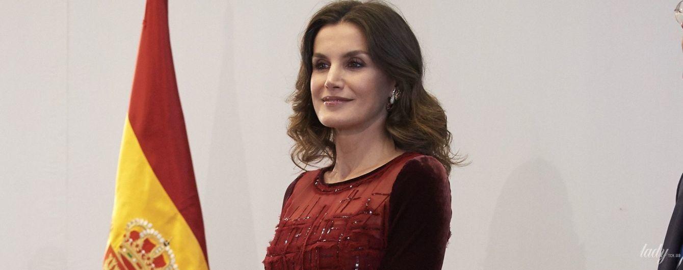 Женственна и красива: королева Летиция на торжественном ужине в Марокко