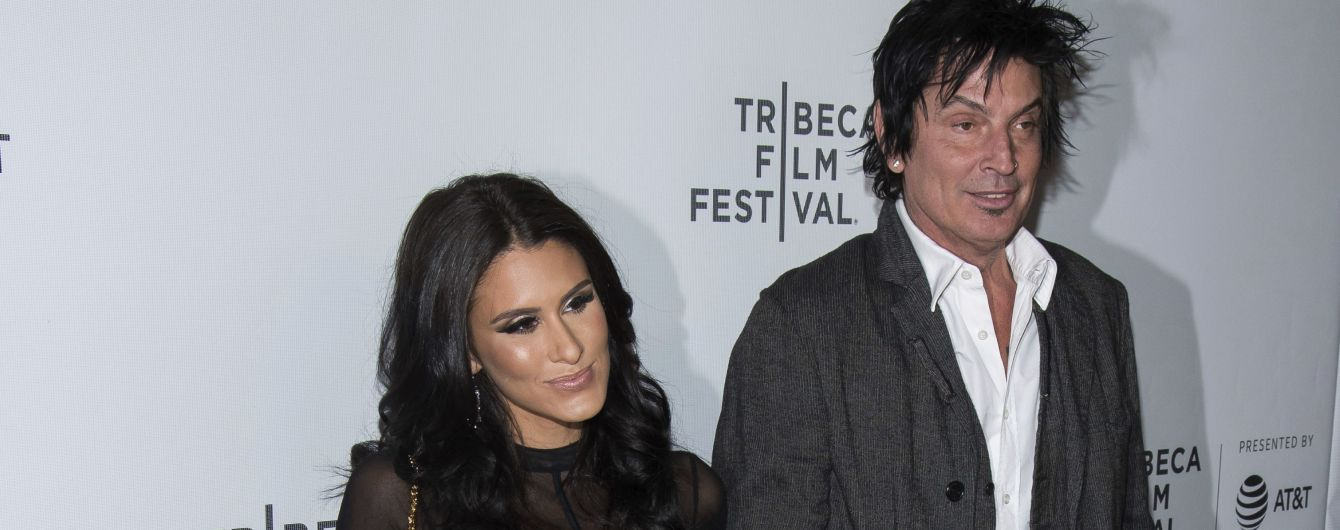 56-річний екс-чоловік Памели Андерсон одружився на молодшій від нього на 24 роки акторці