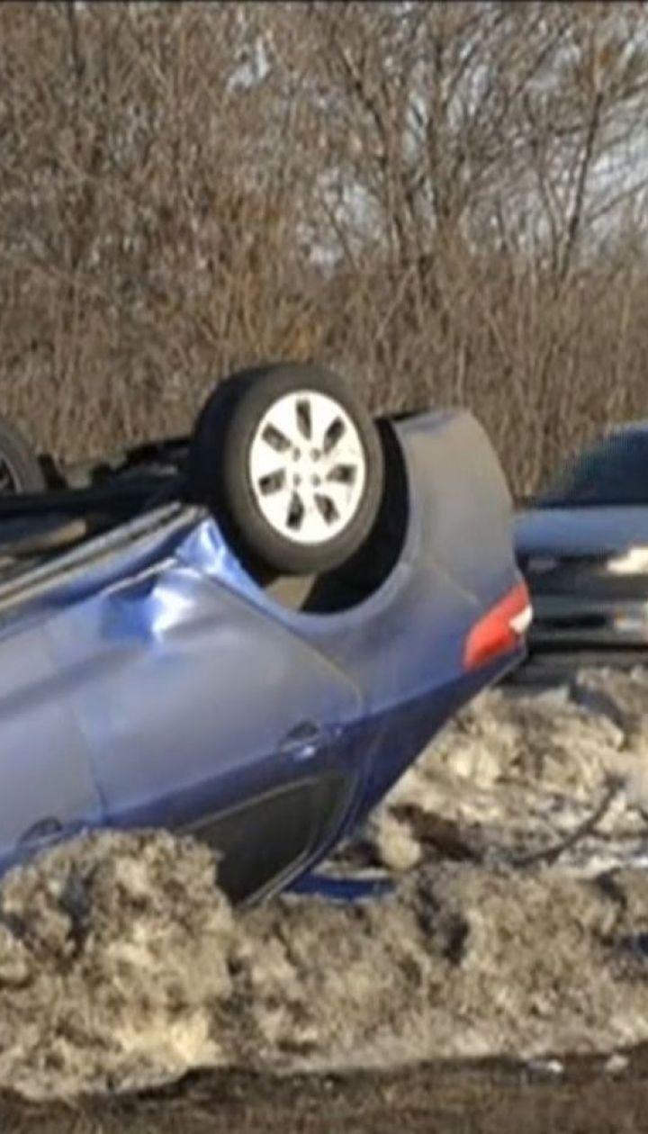 У ДТП за участі чотирьох авто загинула 54-річна жінка