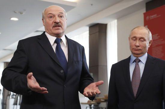 Серед іноземних лідерів українцям найбільше подобається Лукашенко. Найменше - Путін