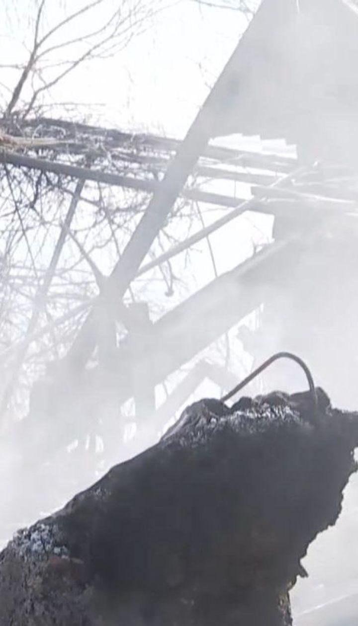 На Донеччині снарядом повністю рознесло двоповерховий будинок місцевого жителя