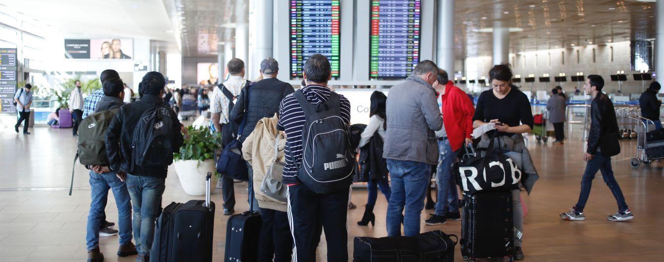 Українські прикордонники не впустили 35 ізраїльтян. У відповідь Ізраїль затримав цілий літак з українцями