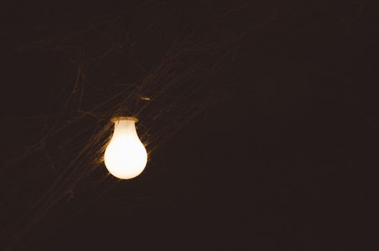 Понад 150 населених пунктів лишаються без світла через негоду