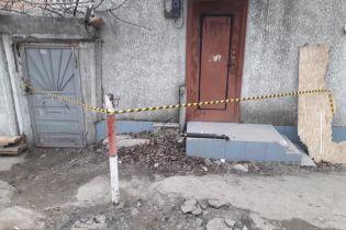 В Черноморске на многолюдном причале нашли заряженные гранатометы