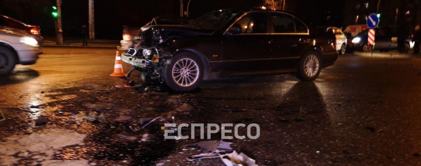 В Киеве столкнулись два авто на еврономерах: есть раненые