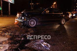 У Києві зіштовхнулися два авто на єврономерах: є поранені