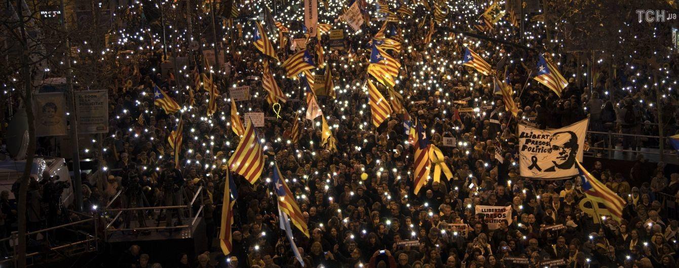 Одразу в трьох країнах Європи спалахнули багатотисячні протести проти чинної влади