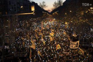 Сразу в трех странах Европы вспыхнули многотысячные протесты против действующей власти