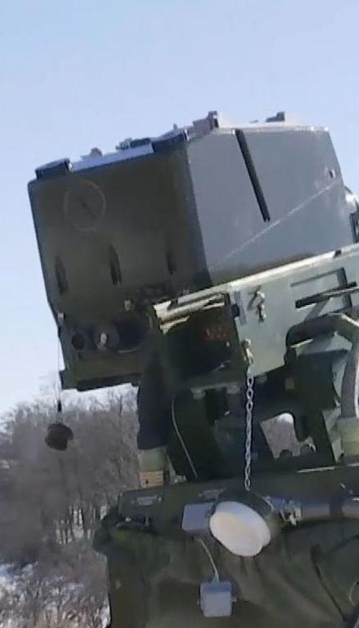 Украинские высокоточные ракеты уничтожили бронированную технику и укрепленный район боевиков