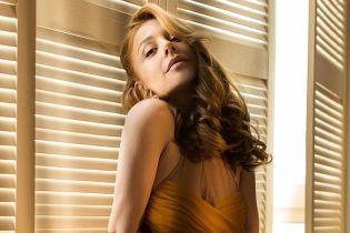 В красивых платьях и с шарами: Тина Кароль снялась в новом фотосете