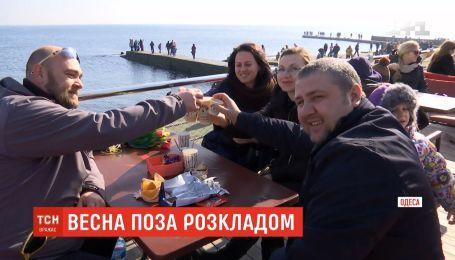 Одесситы открыли новый сезон отдыха на море