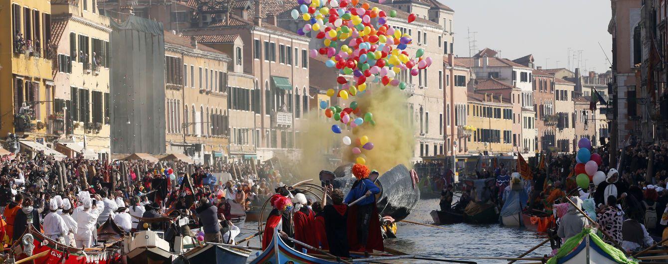 Непрерывный праздник: в Венеции начался ежегодный карнавал