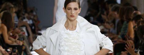 Все біле і бежеве: тенденції моди сезону весна-літо 2019