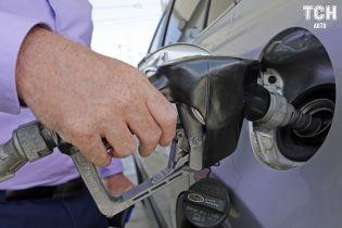 Скільки коштує заправити авто на АЗС вранці 16 березня
