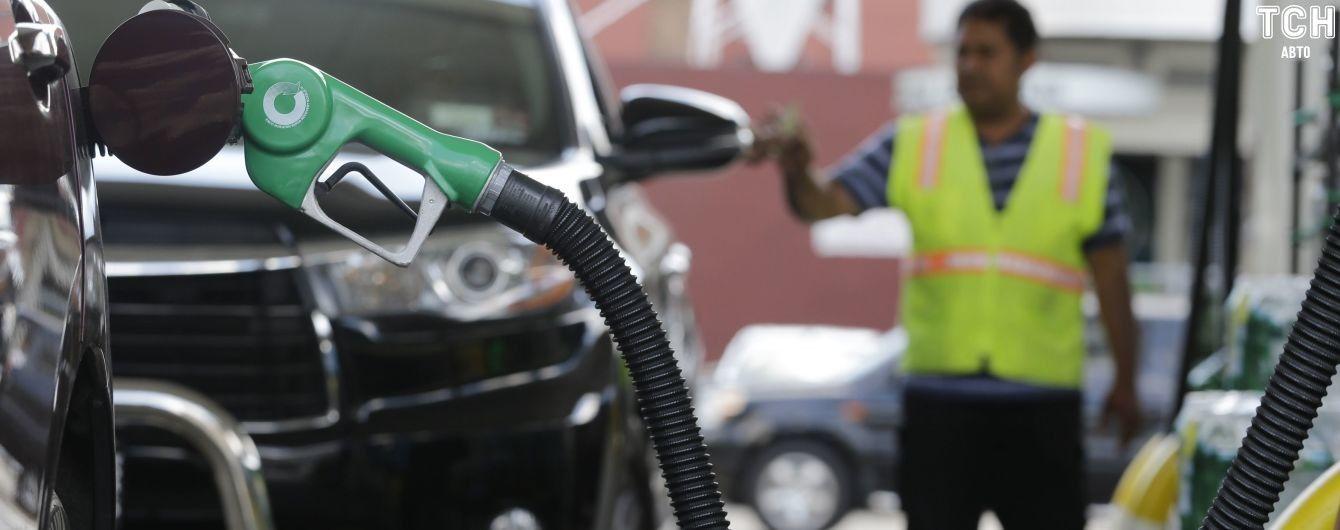 Сколько стоит заправить авто на АЗС утром 13 июня
