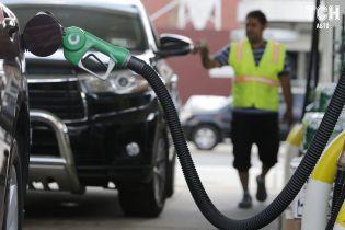 Скільки коштує заправити авто на АЗС вранці 24 лютого
