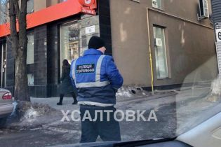 В центре Харькова появились первые инспекторы по парковке