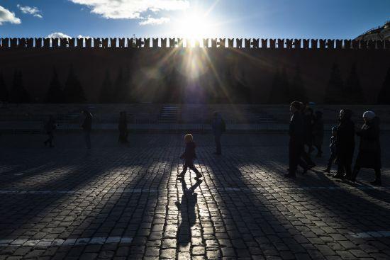 Більше половини російської молоді хоче виїхати за кордон, еміграційні настрої у РФ посилюються - опитування