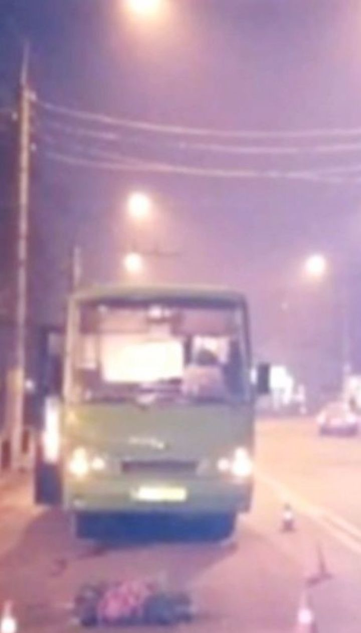 У Чернівцях маршрутка збила жінку на пішохідному переході
