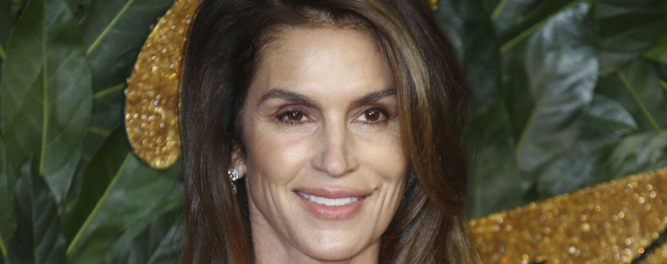 52-летняя Синди Кроуфорд разделась для пикантного снимка