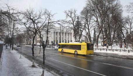 В Україні готуються захистити смуги громадського транспорту від заторів