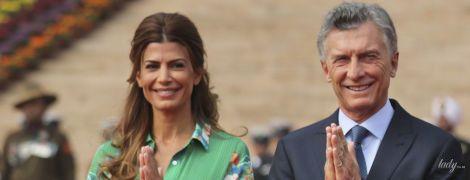 Первая леди Аргентины продемонстрировала красивый образ в зеленом платье с цветочным принтом