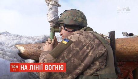 На линии огня: трое украинских военных получили ранения