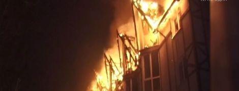 В курортном Славском горел отель, заполненный туристами