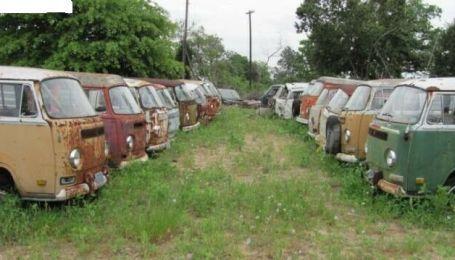 В Канаде 55 культовых фургонов Volkswagen продают за $350 тысяч