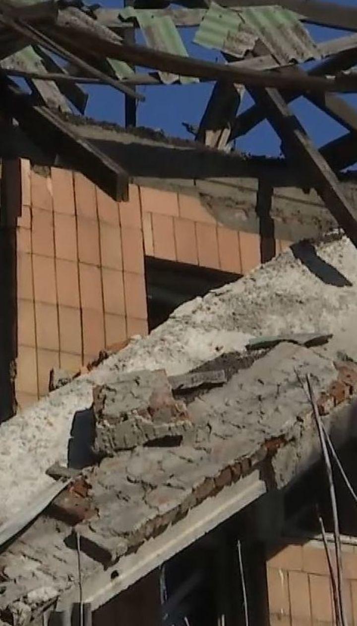 Біля Донецького аеропорту окупанти розстрілюють наші позиції маскуючи техніку серед руїн