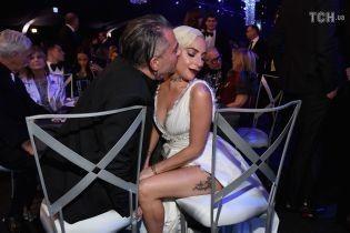 Официально: Леди Гага рассталась со своим женихом