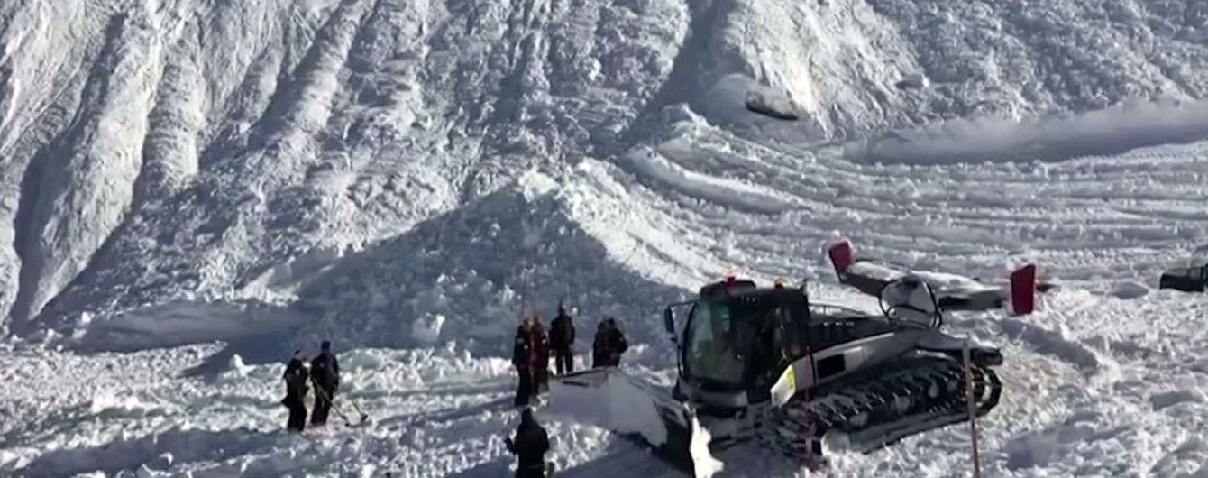 На Алтае лавина накрыла туристов, семеро из них погибли