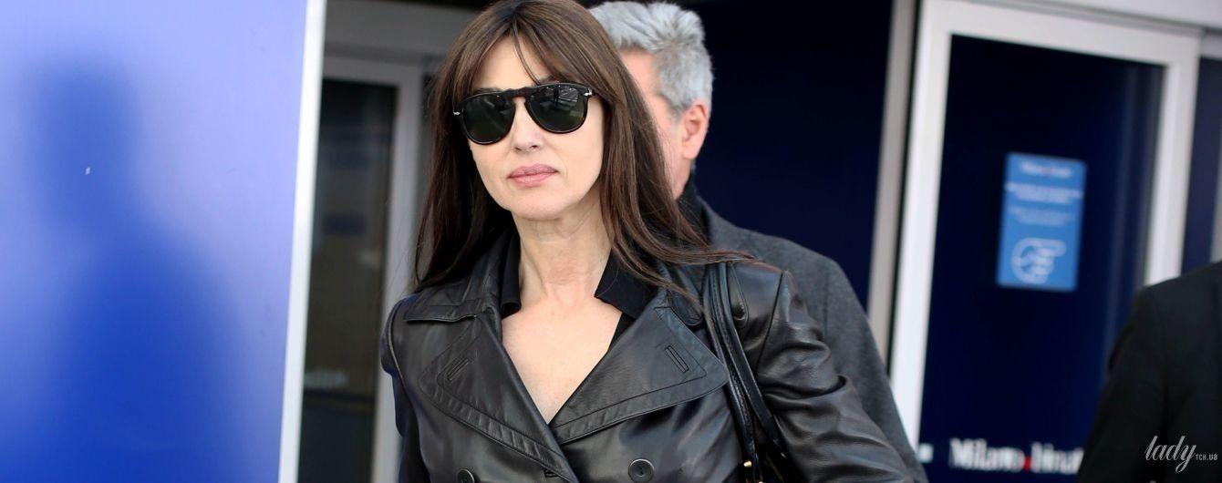 Что-то похудела: Моника Беллуччи в черном кожаном пальто приехала в Милан