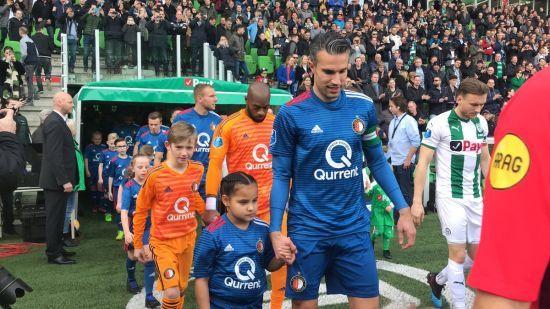 Голландський футболіст знайшов час, щоб привітатися з кожною дитиною перед матчем